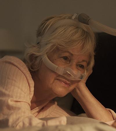AirFit-N30i-tube-up-nasal-CPAP-mask-sleep-apnoea-patient