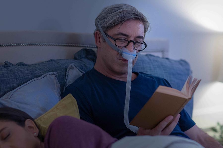 minimalist-CPAP-nasal-cradle-mask-ResMed-AirFit-N30-900x600