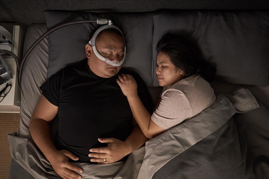 tube-up-quiet-nasal-pillows-mask-sleep-apnoea-ResMed-AirFit-P30i
